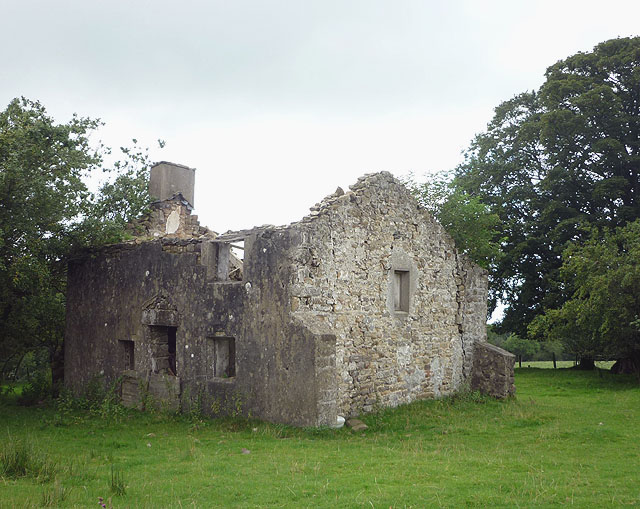 Ruined cottage in 2011 (2)