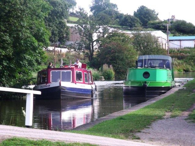 Low Snaygill, canal scene
