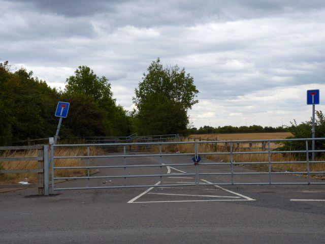 Abandoned stretch of Snelsmoor Lane