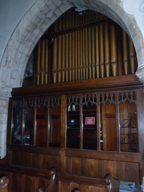 Odiham, All Saints: organ