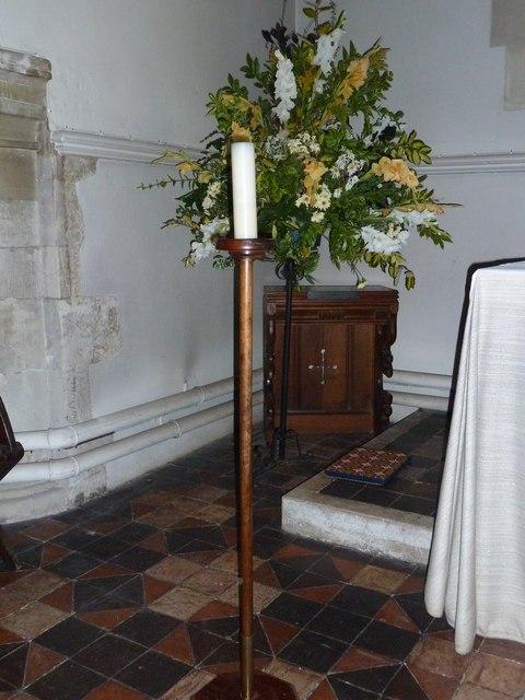 Odiham, All Saints: floral display