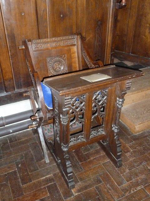Odiham, All Saints: prayer desk