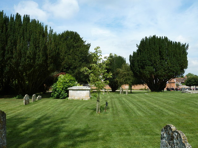 Odiham, All Saints: churchyard (2)