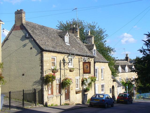 Ye Olde Three Horseshoes Inn