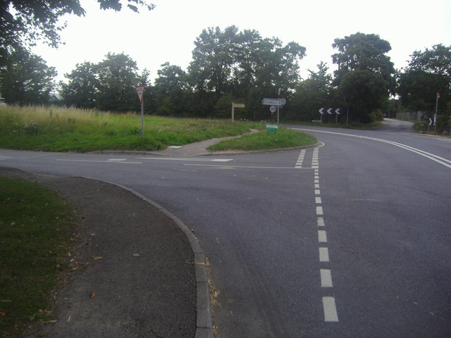 Junction of Rotten Row and Street End Road