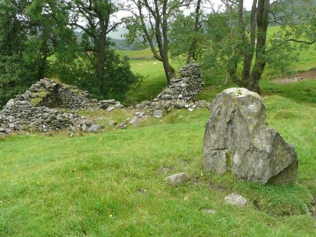 Standing stone at Tirai (1)