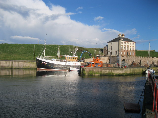 Eyemouth Harbour and Gunsgreen House