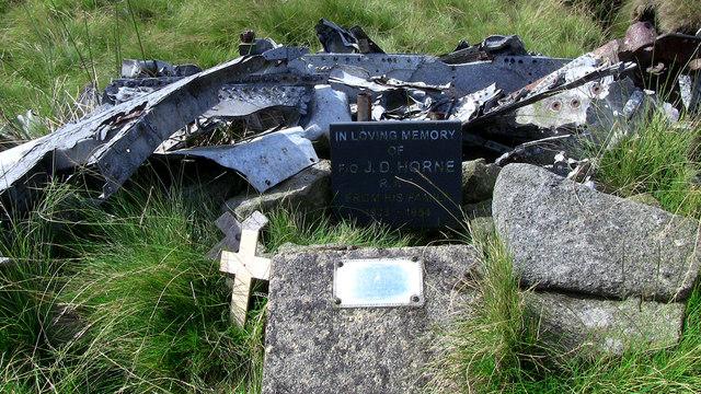 Memorial to Flying Officer James Desmond Horne