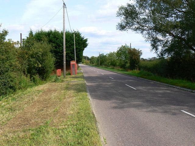 East along the B4040 Malmesbury Road Leigh