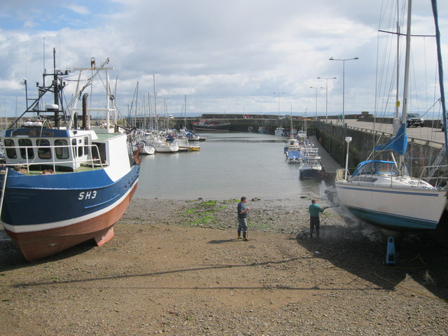 Boat maintenance at Anstruther