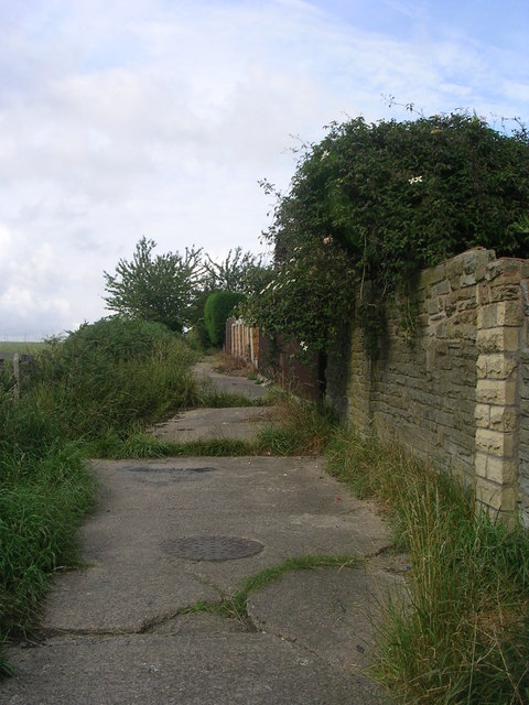 Footpath - off Walton Drive
