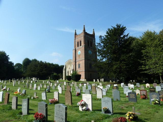 All Saints, Crondall: churchyard