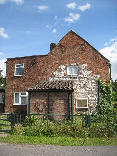 Much altered cottage, Wootton