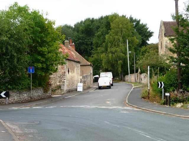 No Through Road, off High Street