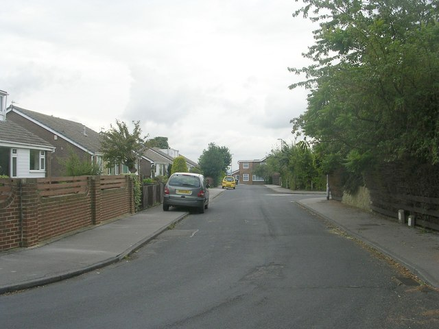 Moorside Crescent - viewed from Moorside Drive