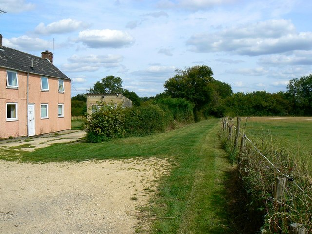Footpath past Little Pastures, Minety