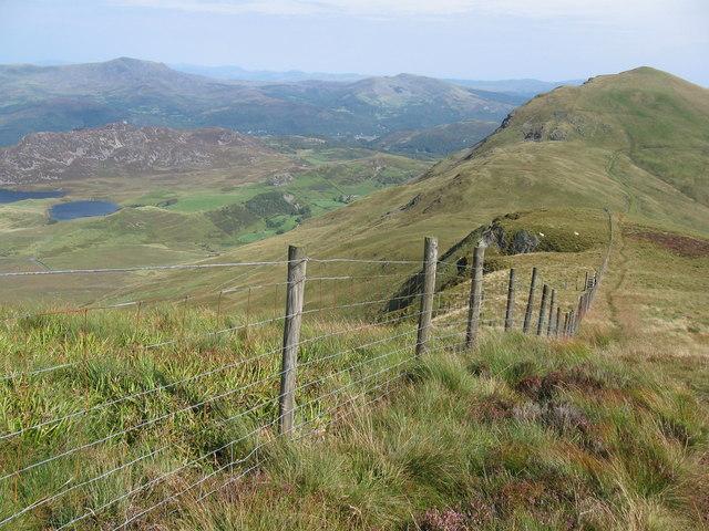 Track to Tyrrau Mawr