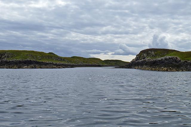 The channel between Eilean Mòr and Eilean Dubh