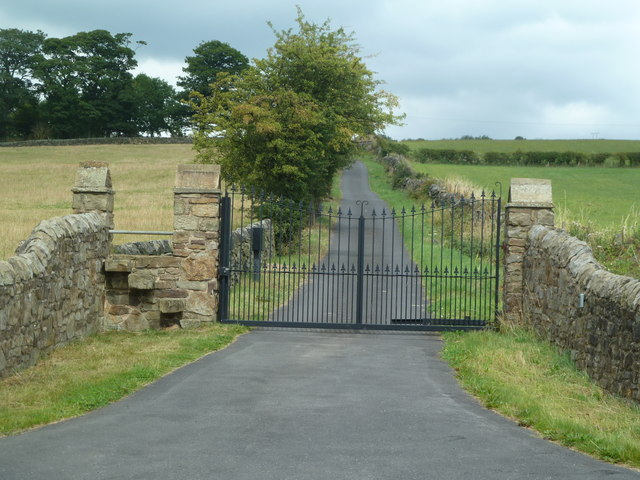 Gated drive to Loxley House