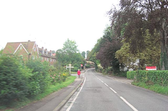 B4009 crossroads in Cleeve