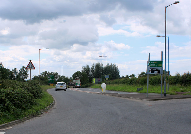 2011 : A37 roundabout at Beardly Batch