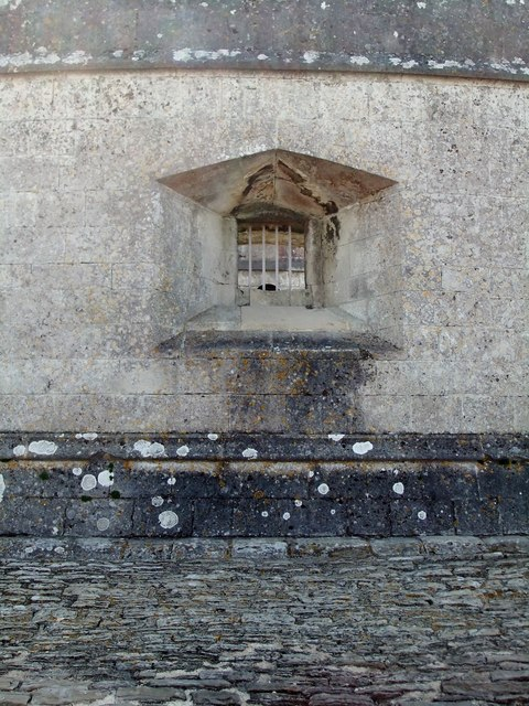 Portland Castle (4): a gun-port