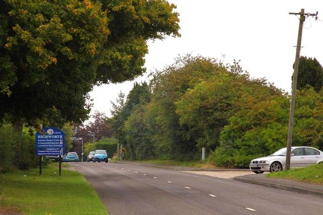 Cricklade Road into Highworth