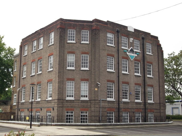 Greenwich Leisure Limited, Royal Arsenal West