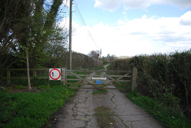 Entrance to Lower Lidham Hill Farm, North Lane