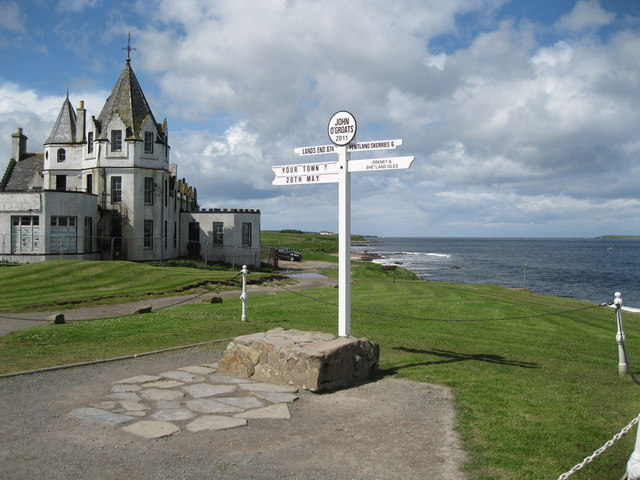 Hotel and signpost, John O'Groats