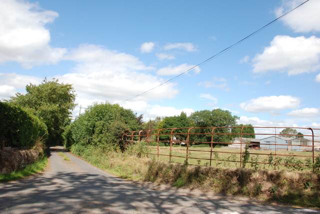 Track up to Lindore Farm, Gnosall Road