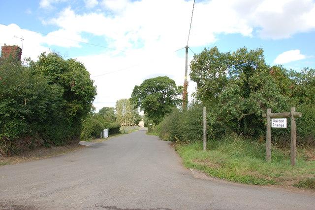 Walton Grange, Private Road