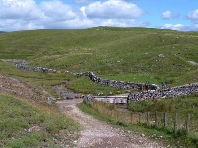 Mastiles Lane crosses Gordale Beck