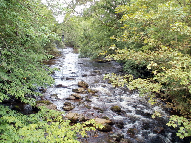 River Tawe flows towards Pont rhyd-arw, Penycae