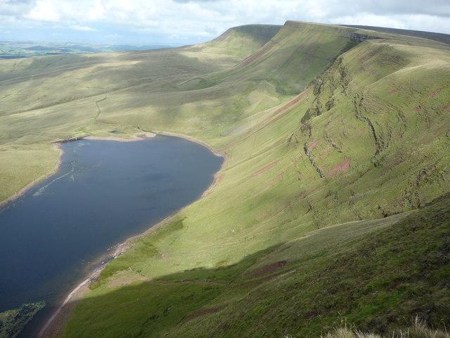View eastwards along Bannau Sir Gaer above Llyn y Fan Fach