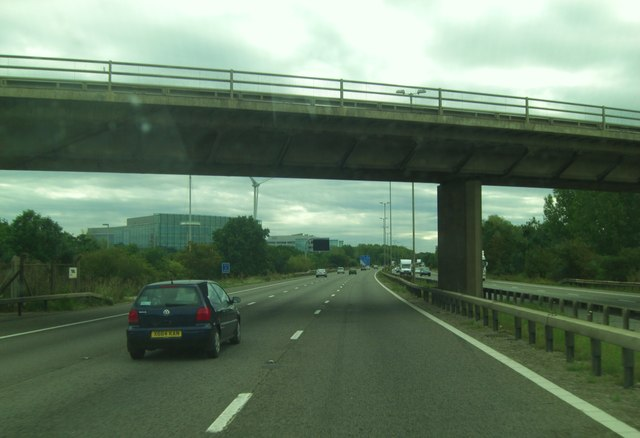 M4 Kybes Lane crosses