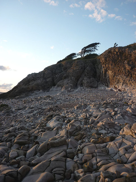 A small cove between Know End Point and Jack Scout