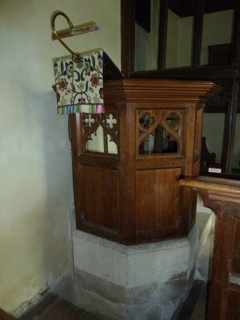 Greywell: Church of St. Mary the Virgin- pulpit