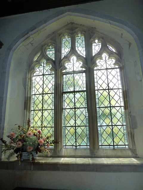 Greywell: Church of St. Mary the Virgin- flowers
