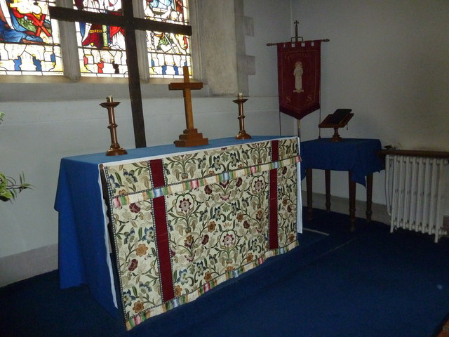 Greywell: Church of St. Mary the Virgin- altar