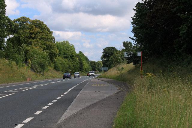 2011 : A36 with bus stop heading south east toward Salisbury