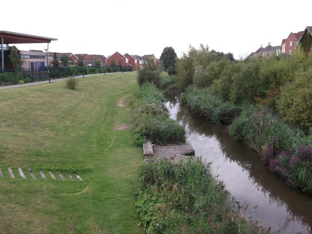 Foxglove path, West Thamesmead