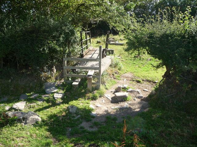 Footbridge and stile near Clun