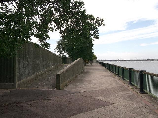 Esplanade near Thamesmead