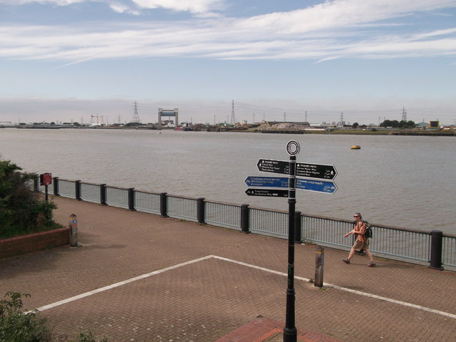 Thames Path and Thames Cycle Route in Thamesmead