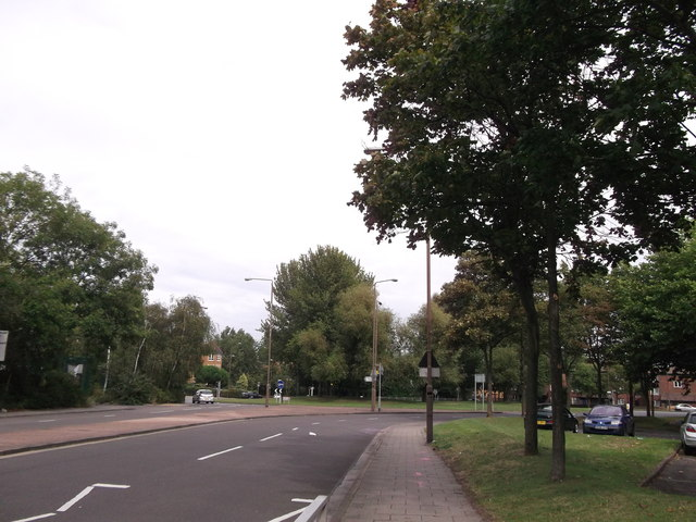 Roundabout on Central Way