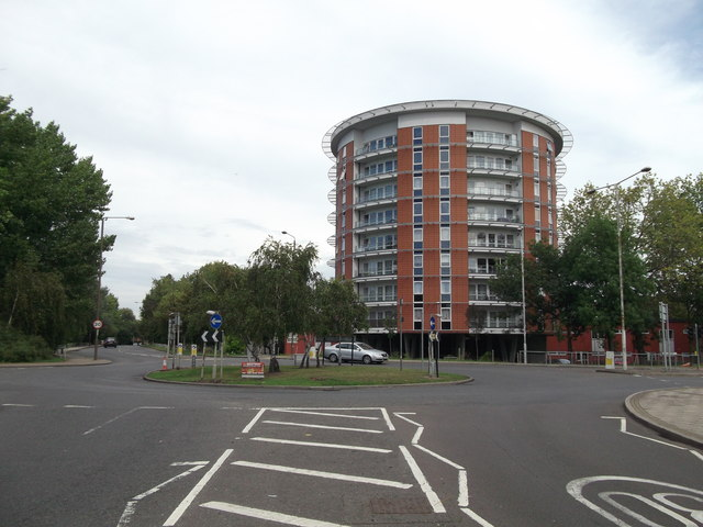 Roundabout on Bentham Road