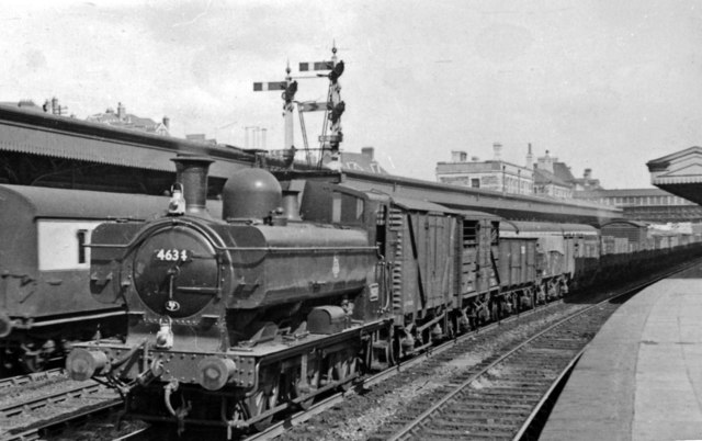 A smart '8750' class 0-6-0PT passing through Newport High Street Station