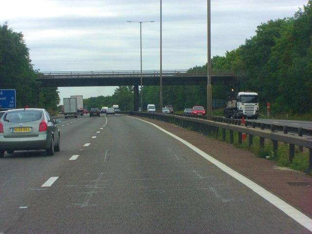 M4 crossed by A321 - Twyford Road