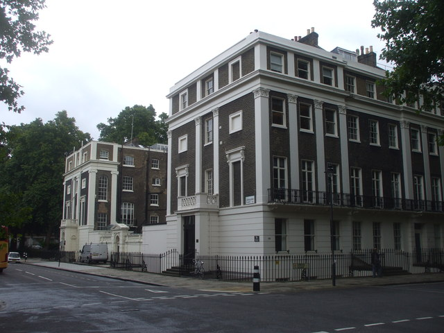 Apartments at the corner of Endsleigh Place and Gordon Square, London
